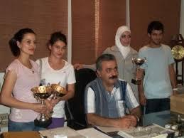 كوادر سيدات كرة القدم في نادي المحافظة في الأردن.