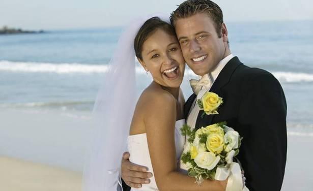 هذا هو فارق العمر المثالي بين الزوجين!