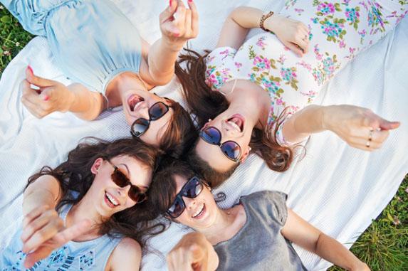 4 أنواع من النساء يبحث عنهنّ الرجل في حياته!