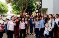 أطفال مركز دار السلام يزورن رجال الجيش ويقدمون لهم بطاقات شكر لتضحياتهم الكبيرة..