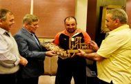 نادي المحافظة يكرم النقيب الجريح علي بعد إتمام مسيره من مصياف إلى دمشق