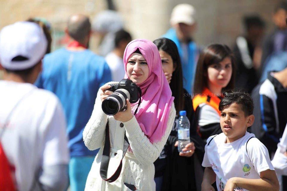 المصورة الرياضية المحترفة أحرار جبريني: الرياضة السورية أوصلت رسالة إنسانية إلى العالم بأن الروح السورية دوماً متقده