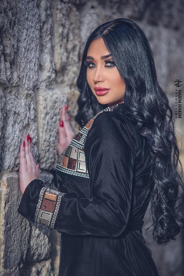 الفنانة السورية آية قوزجي: أمارس الرياضة يومياً وأشجع الوحدة وبرشلونة..