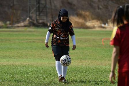 كرة القدم.. حلم يكبر معها يوماً بعد آخر..نغم ناعورة : شهادتي مجروحة بنادي المحافظة